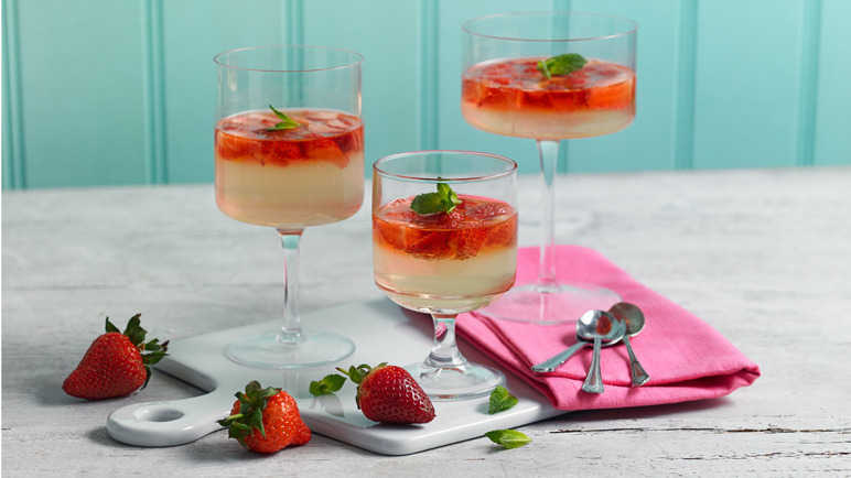 Strawberry and Prosecco jellies
