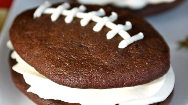 'Scrum-ptious' rugby whoopie pies recipe