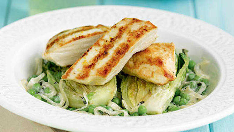 Image: Grilled chicken with creamy peas & lettuce