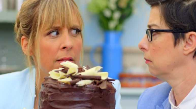 Mel and Sue with cake