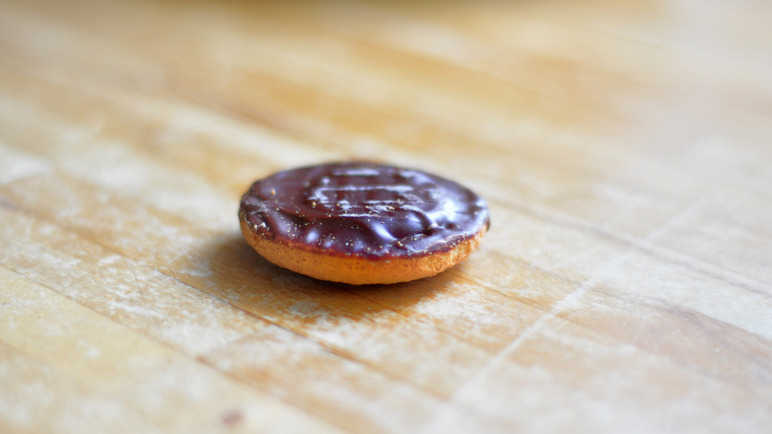 jaffa-cake-on-table-homemade