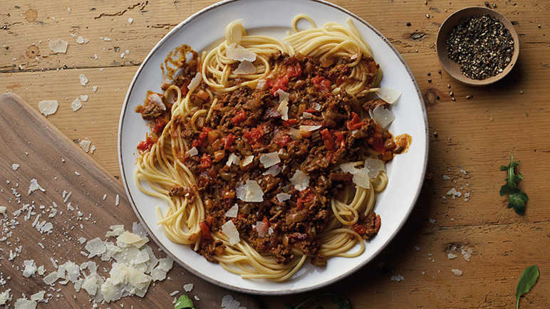 Spaghetti Bolognese with a coffee twist