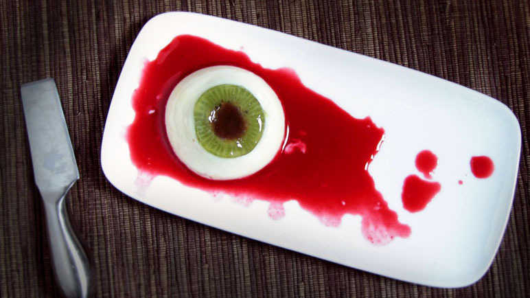 Panna cotta eyeball