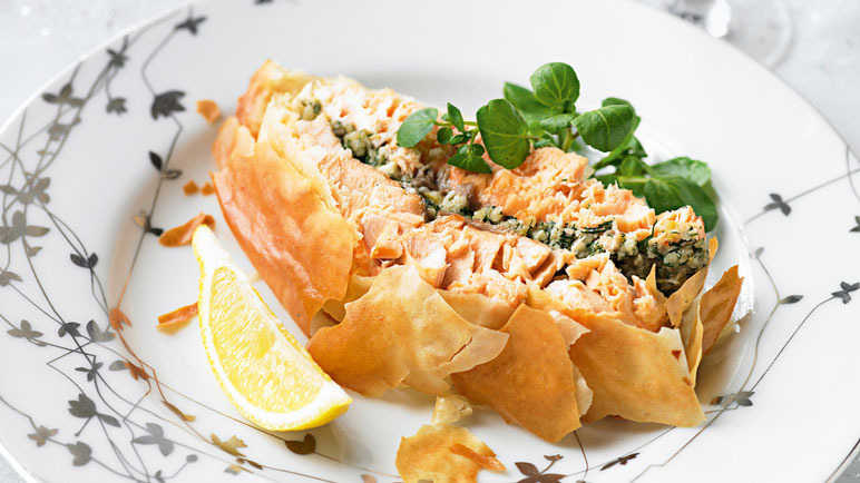 Recipe Salmon And Dill Pesto En Croute Recipes