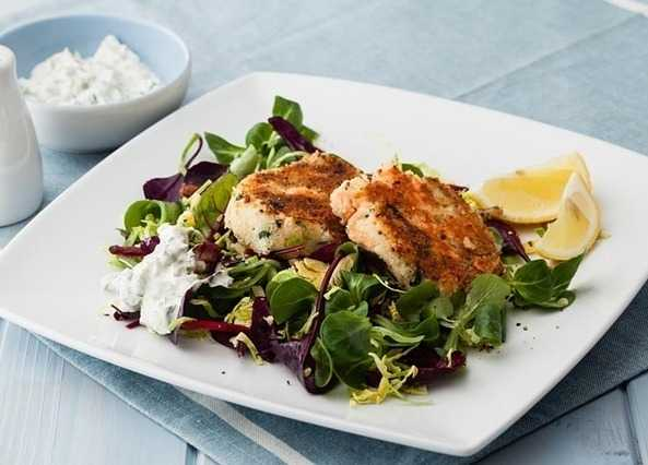 Salmon fishcakes with a crunchy salad