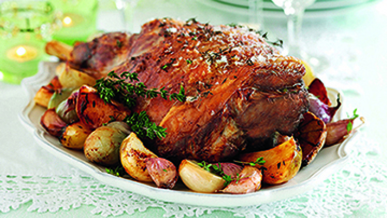 Roast leg of lamb with turnips & shallots