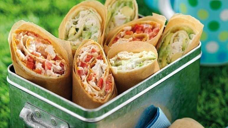 Red & green picnic wraps