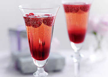Raspberry prosecco cocktail image
