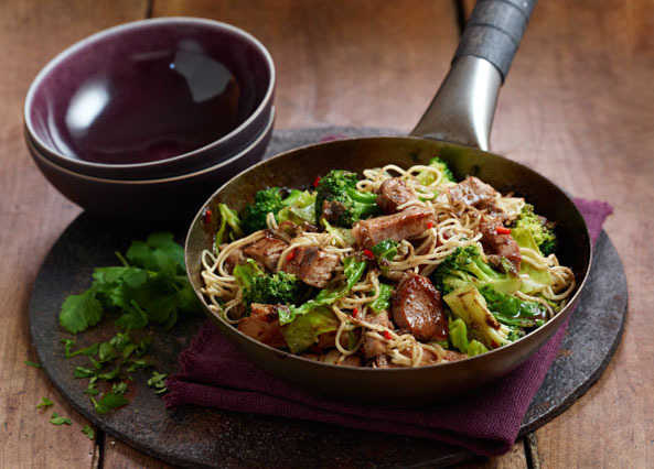 Pork & ginger noodles with broccol image