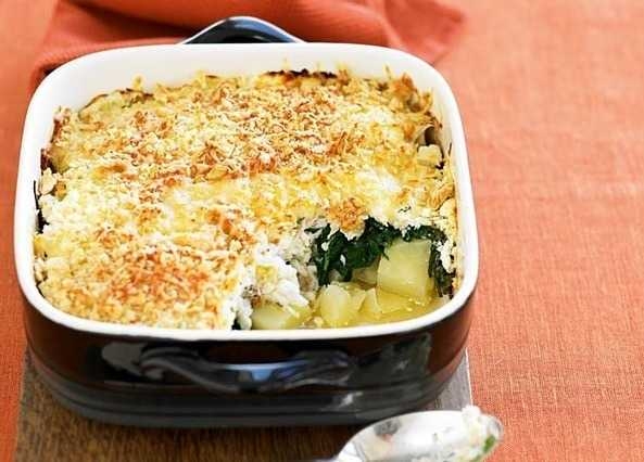 Plaice, spinach and potato cheesy bake