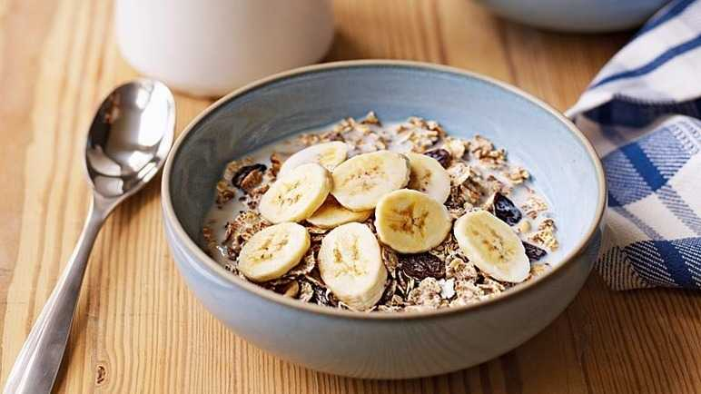 Muesli and banana