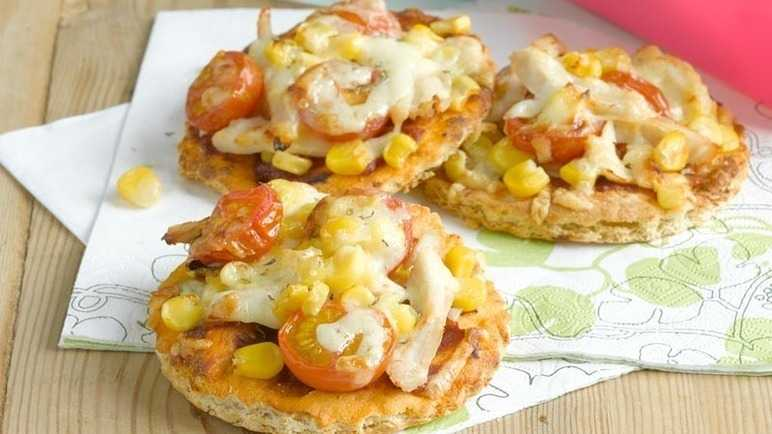 Mini chicken, sweetcorn and cheese pizza image