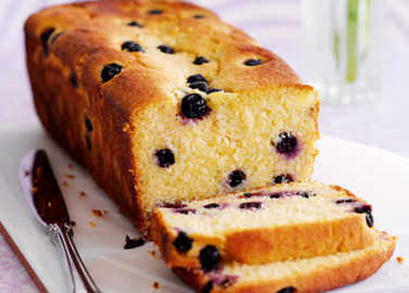 Lemon and blueberry polenta cak image