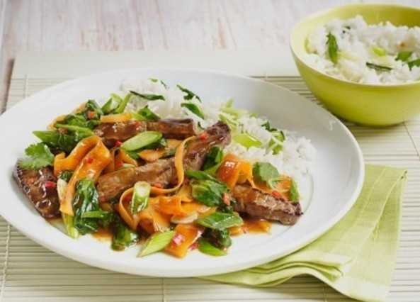 Hoisin beef & spring onion stir-fr image