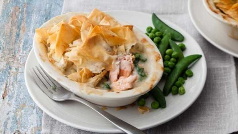 Fish and watercress pie image