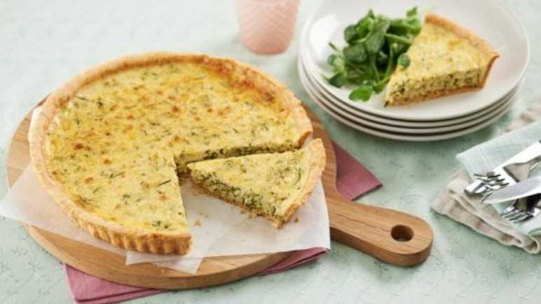 Courgette and cheddar tart with parmesan pastr image