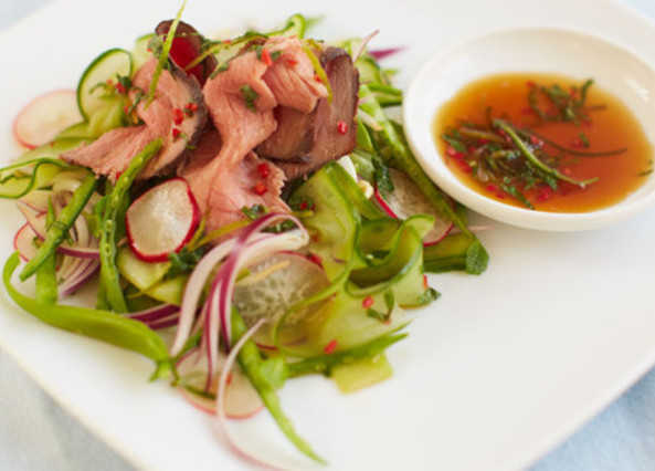 Beef salad with mint dressing