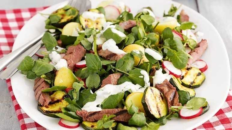 Barbecued steak salad