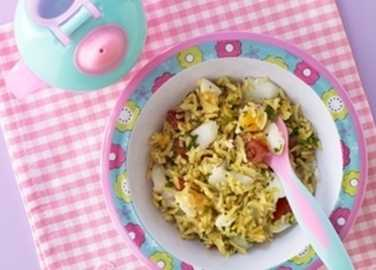 Kedgeree with cod, tomatoes and sliced eg image