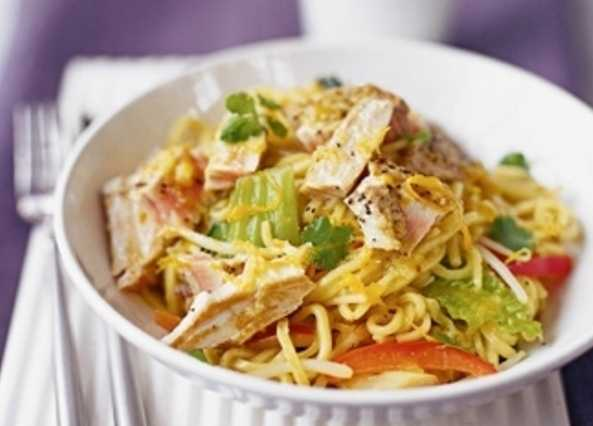 Tuna steak with orange and ginger noodle image