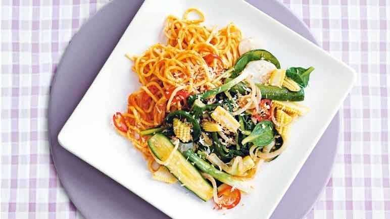 Thai red curry noodles with stir-fried veg image