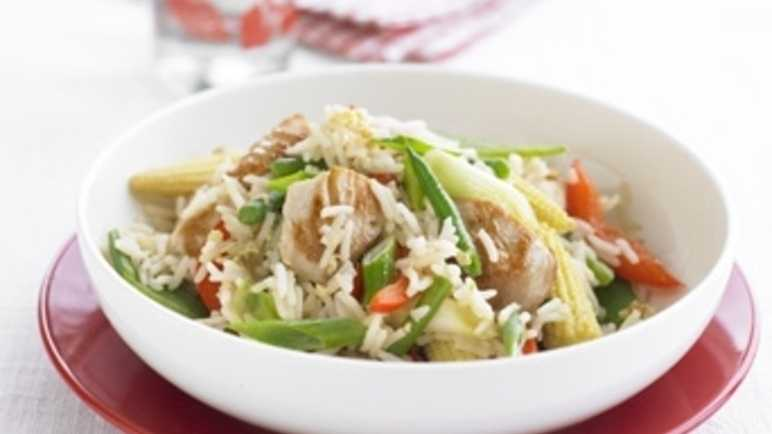 Stir-fried rice with turkey and vegetables