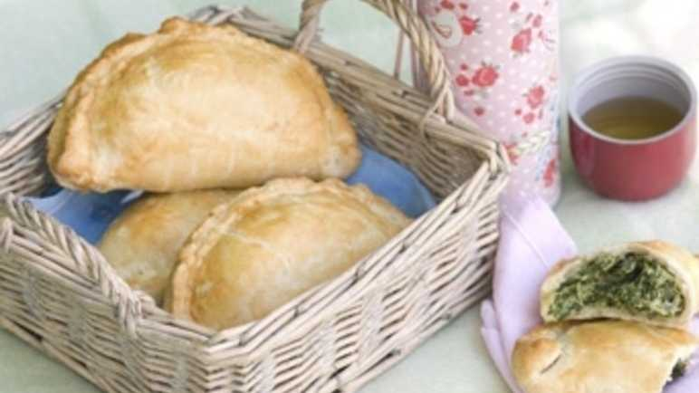 Spinach, cheese and herb pasties image