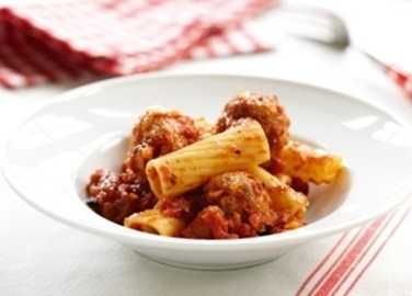 Rigatoni and mince turkey balls image