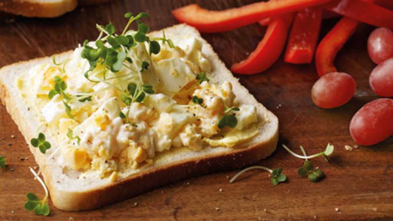 Egg mayonnaise & cress sandwic image