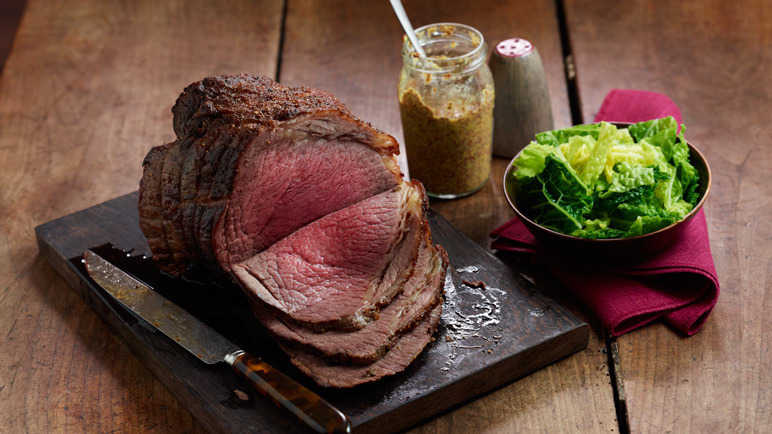 Chilli cinnamon roast beef image