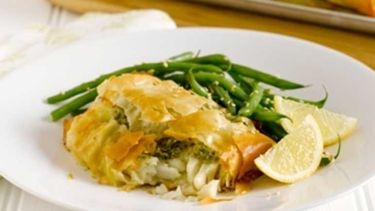 Crispy cod and pesto parcels