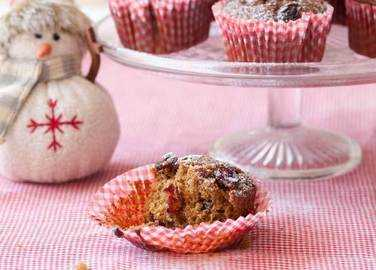 Cranberry and gingerbread muffin image