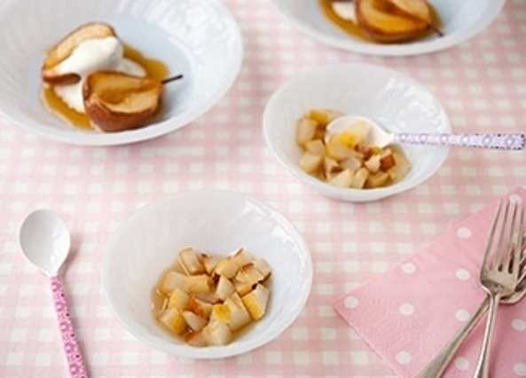 Baked vanilla pears with yogur image