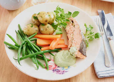 Baked salmon with watercress sauc image