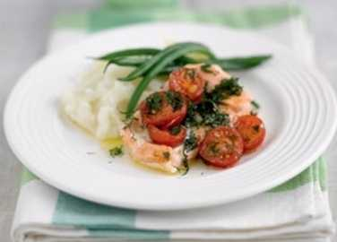Baked salmon parcels with lemon and herb butte image