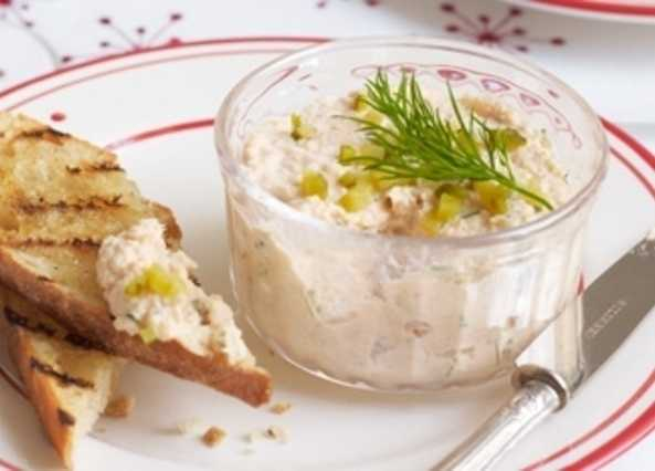 Dill and mustard smoked trout pâté image