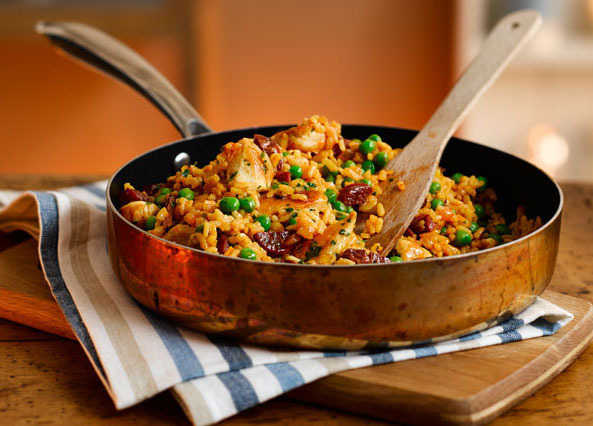 Image: Chicken and chorizo paella