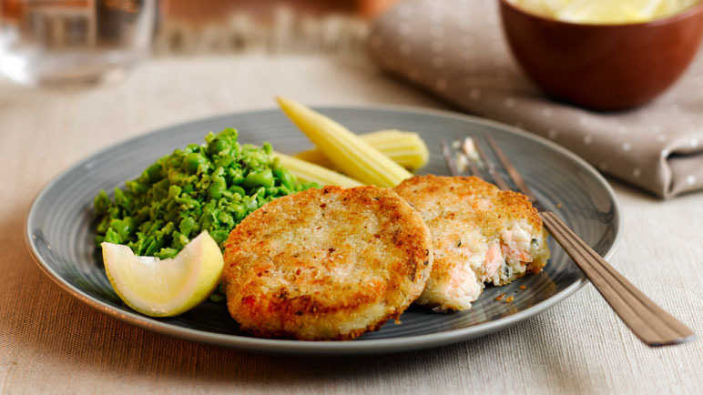 Image: Salmon fishcakes with minted crushed peas