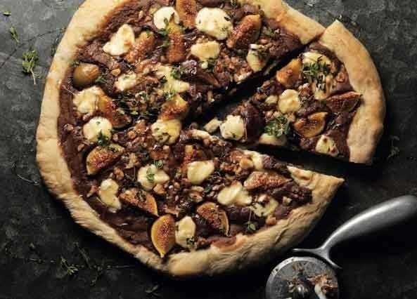 Image: Roasted fig, walnut & chocolate pizza