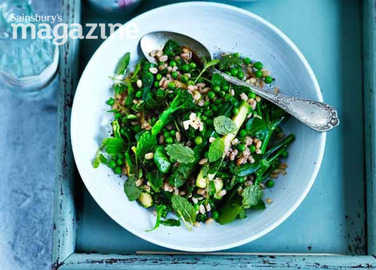 Image: Very green barley with basil and mint