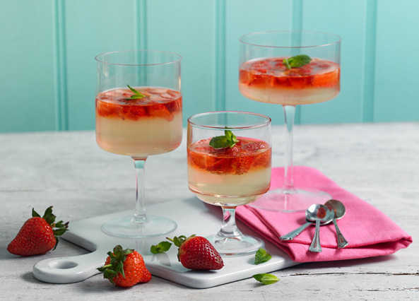 Image: Strawberry and Prosecco jellies