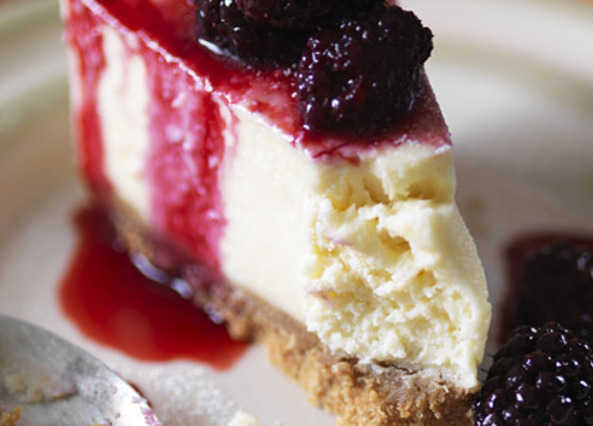 Vanilla cheesecake with blackberry compot image