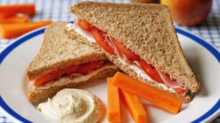 Ham, cream cheese and tomato sandwich recipe