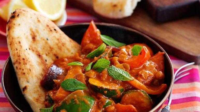 Veggie tikka with naan bread