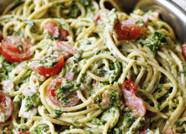 Creamy bacon and spinach past image