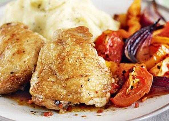 Smoky chicken and tomato bake