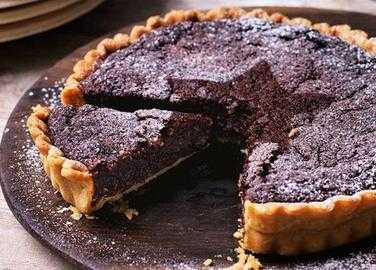 Mincemeat brownie tart