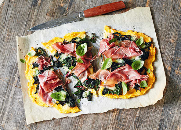 Image: Spinach and mozzarella polenta pizza