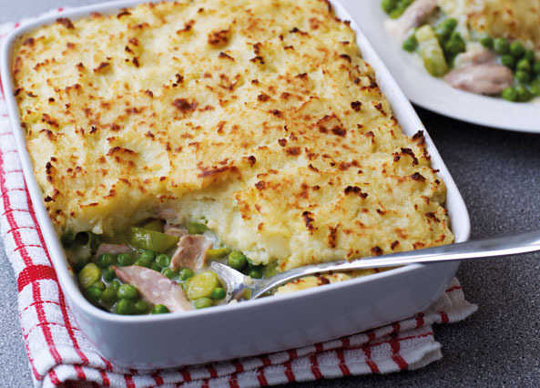 Image: Chicken, pea and leek pie