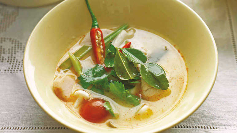 Image: Coconut soup with chicken
